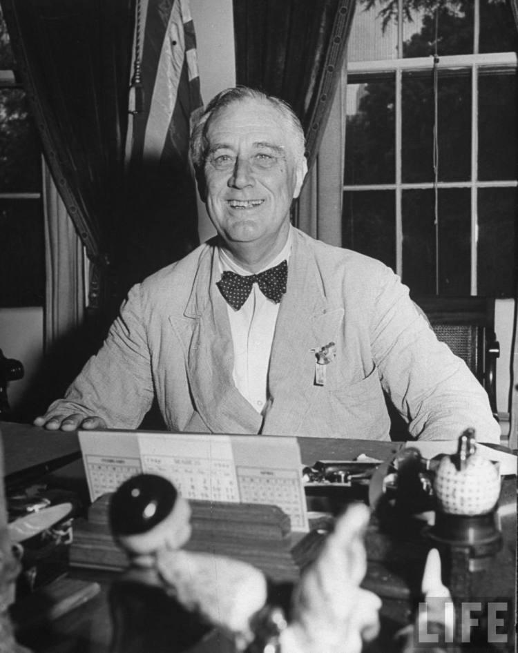 Roosevelt - Democrat Dandy in a Bow Tie