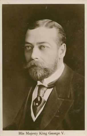 King George V with Four-in-Hand Knotted Silk Tie