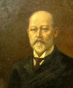 Edward VII with his wide knotted necktie