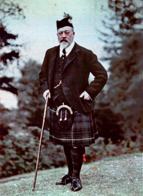Colour autochrome photograph of King Edward VII in Scotland sporting a four-in-hand tied necktie