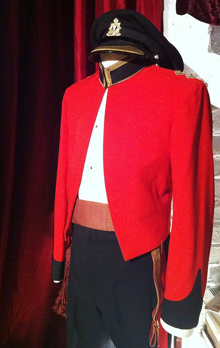 Canadian Military Dress Uniform